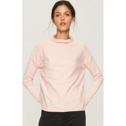 Sweter z niską stójką - Różowy. Białe swetry klasyczne damskie marki Reserved, l, z dzianiny. Za 69,99 zł.