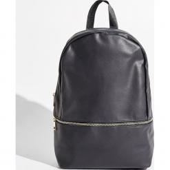 Plecak - Czarny. Czarne plecaki damskie Sinsay. W wyprzedaży za 49,99 zł.
