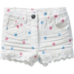 Szorty z koronką bonprix biel wełny z nadrukiem. Niebieskie szorty damskie z printem marki Reserved, z koronki. Za 32,99 zł.