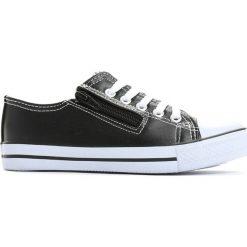 Czarne Trampki Jump and Dance. Czarne buty sportowe chłopięce marki Reserved. Za 19,99 zł.