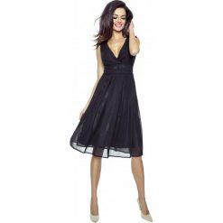 Czarna Romantyczna i Elegancka Sukienka z Kopertowym Dekoltem. Niebieskie sukienki balowe marki bonprix, z nadrukiem, na ramiączkach. Za 189,90 zł.
