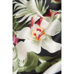 Apaszki damskie: Apaszka z kwiatowym wzorem
