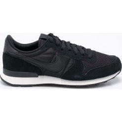 Nike Sportswear - Buty Internationalist SE. Czarne halówki męskie Nike Sportswear, z gumy, na sznurówki. W wyprzedaży za 329,90 zł.
