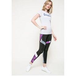 Reebok - Top Crossfit Speedwick. Szare topy sportowe damskie marki Reebok, l, z nadrukiem, z dzianiny, z krótkim rękawem. W wyprzedaży za 59,90 zł.