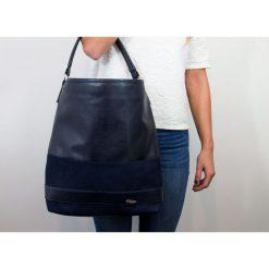 DAMSKA TOREBKA MILTON  CZARNA. Czarne shopper bag damskie Milton, w paski, ze skóry, na ramię. Za 119,00 zł.