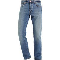 Wrangler SPENCER Jeansy Slim Fit used stone. Szare jeansy męskie relaxed fit marki Wrangler, l, z poliesteru, z kapturem. Za 329,00 zł.
