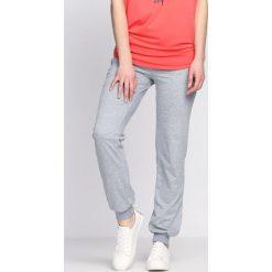 Spodnie damskie: Szare Spodnie Dresowe Being Born