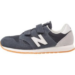 New Balance Tenisówki i Trampki navy. Szare tenisówki męskie marki New Balance, na lato, z materiału. W wyprzedaży za 224,10 zł.