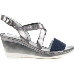 Skórzane sandały na koturnie CHARLEE. Szare sandały damskie marki Vinceza, na koturnie. Za 179,00 zł.