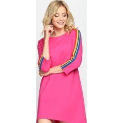 Fuksjowa Sukienka Sweet Euphoria. Różowe sukienki marki numoco, l, z dekoltem w łódkę, oversize. Za 59,99 zł.