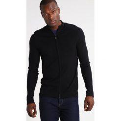 Strellson VIC Kardigan black. Czarne kardigany męskie Strellson, m, z bawełny. W wyprzedaży za 421,85 zł.