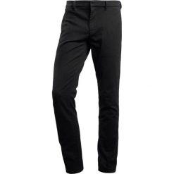 Chinosy męskie: BOSS Orange Spodnie materiałowe black
