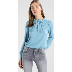 Bluzki damskie: Banana Republic FLUTED NECK SOLID Bluzka light blue
