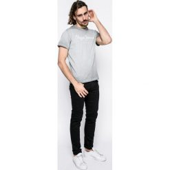 Pepe Jeans - Jeansy Hatch. Czarne jeansy męskie slim Pepe Jeans, z aplikacjami, z bawełny. Za 359,90 zł.