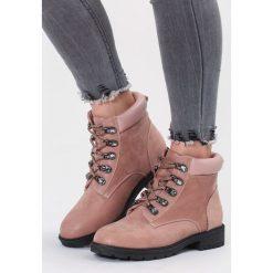 Różowe Traperki Good Forecast. Czerwone buty zimowe damskie vices, z materiału, z okrągłym noskiem, na obcasie. Za 119,99 zł.