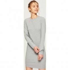 Sukienka z aplikacją - Jasny szar. Szare sukienki z falbanami marki Sinsay, l, z aplikacjami. Za 49,99 zł.