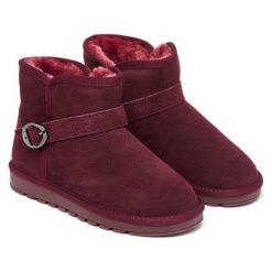 Skórzane botki w kolorze bordowym. Czerwone buty zimowe damskie Carla Samuel, na zimę, ze sprzączką. W wyprzedaży za 199,95 zł.