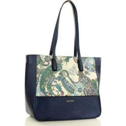 MONNARI Niezwykła torebka na ramię z orientalnym wzorem granatowy. Niebieskie shopper bag damskie Monnari, ze skóry, na ramię. Za 179,00 zł.