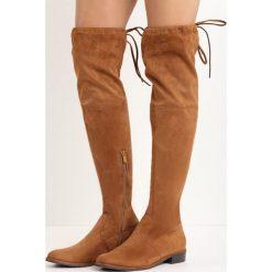 Camelowe Kozaki Espresso. Brązowe buty zimowe damskie marki Born2be, z okrągłym noskiem, za kolano, na płaskiej podeszwie. Za 119,99 zł.