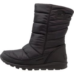 Sorel WHITNEY MID Śniegowce black. Czarne buty zimowe chłopięce Sorel, z materiału. W wyprzedaży za 191,40 zł.