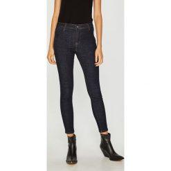 Answear - Jeansy. Szare jeansy damskie rurki marki G-Star RAW, z obniżonym stanem. W wyprzedaży za 149,90 zł.