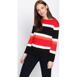 Czarno-Czerwony Sweter Autumnal Glow. Czarne swetry klasyczne damskie Born2be, l, z dekoltem w łódkę. Za 74,99 zł.