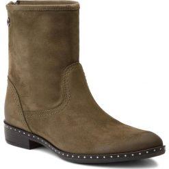 Botki CARINII - B4190 I43-000-PSK-C63. Zielone buty zimowe damskie Carinii, z materiału, na obcasie. W wyprzedaży za 219,00 zł.
