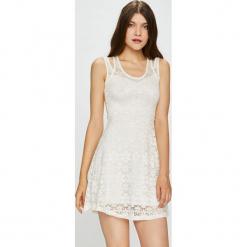 Haily's - Sukienka Diana. Szare sukienki koronkowe Haily's, na co dzień, l, casualowe, z okrągłym kołnierzem, na ramiączkach, mini, oversize. W wyprzedaży za 89,90 zł.