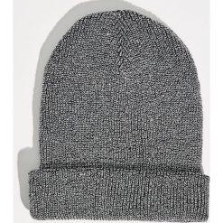 Czapka z połyskującą nicią - Czarny. Czarne czapki zimowe damskie Sinsay. Za 14,99 zł.