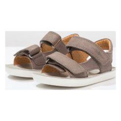 Shoo Pom GOA Sandały taupe. Brązowe sandały męskie skórzane Shoo Pom, z otwartym noskiem. W wyprzedaży za 149,50 zł.