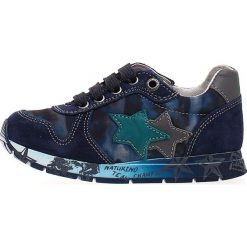 """Sneakersy """"Parker"""" w kolorze granatowym. Niebieskie trampki chłopięce Naturino, z aplikacjami, z materiału, na sznurówki. W wyprzedaży za 172,95 zł."""