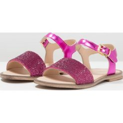 Florens Sandały fuxia. Czerwone sandały chłopięce Florens, z materiału, z otwartym noskiem. W wyprzedaży za 257,40 zł.