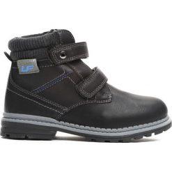 Czarne Traperki Oppidan. Czarne buty zimowe chłopięce Born2be, z materiału, z okrągłym noskiem, na zamek. Za 79,99 zł.