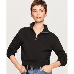 Krótka bluza ze stójką - Czarny. Czarne bluzy damskie marki Reserved, l, z krótkim rękawem, krótkie. W wyprzedaży za 34,99 zł.