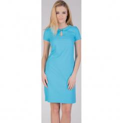 Turkusowa sukienka z kołnierzykiem QUIOSQUE. Niebieskie sukienki balowe marki QUIOSQUE, z tkaniny, z okrągłym kołnierzem, z krótkim rękawem, mini. W wyprzedaży za 89,99 zł.