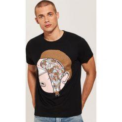 T-shirt z nadrukiem Rick and Morty - Czarny. Czarne t-shirty męskie z nadrukiem House, l. Za 49,99 zł.