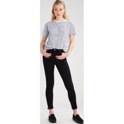 Topshop Tall Jeans Skinny Fit black. Czarne boyfriendy damskie Topshop Tall. W wyprzedaży za 153,30 zł.