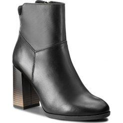 Botki KARINO - 2230/076-F Czarny. Fioletowe buty zimowe damskie marki Karino, ze skóry. W wyprzedaży za 259,00 zł.