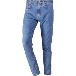 CLOSED COOPER  Jeansy Zwężane light blue denim. Niebieskie jeansy męskie CLOSED. Za 589,00 zł.