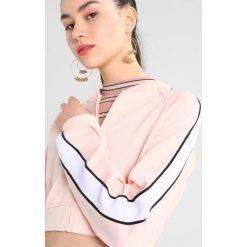 Bluzy rozpinane damskie: Juicy Couture LOGO PATCH TRICOT JACKET Bluza rozpinana light/pastel pink