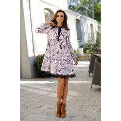 Trapezowa sukienka z nadrukami pantofelki. Szare sukienki hiszpanki Lemoniade, w koronkowe wzory, z koronki, trapezowe. Za 199,00 zł.