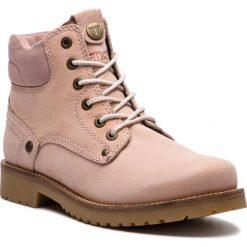 Trapery WRANGLER - Yuma Lady WL182505 Cipria 604. Czerwone buty zimowe damskie Wrangler, z nubiku. W wyprzedaży za 279,00 zł.