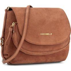 Torebka COCCINELLE - BF0 Janine Suede E1 BF0 55 01 01 Brule 074. Brązowe listonoszki damskie Coccinelle, ze skóry. W wyprzedaży za 729,00 zł.