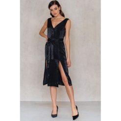 Sukienki hiszpanki: Neon Rose Sukienka z rozcięciami z głębokim dekoltem - Black