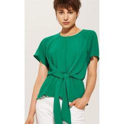 Bluzki asymetryczne: Bluzka z wiązaniem - Zielony