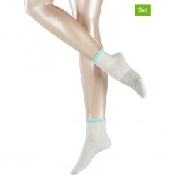 Podkolanówki (4 pary) w kolorze białym. Białe podkolanówki marki Esprit. W wyprzedaży za 65,95 zł.