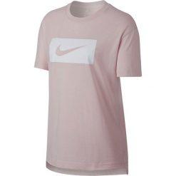 Koszulka Nike Wmns NSW Tail Swoosh (889395-699). Czarne bluzki damskie marki Alpha Industries, z materiału. Za 74,99 zł.