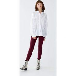 Jeansy skinny fit push up. Szare rurki damskie Pull&Bear, z jeansu. Za 79,90 zł.