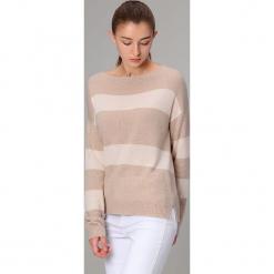 Sweter w kolorze beżowym. Brązowe swetry klasyczne damskie marki Manode, s, z kaszmiru, z dekoltem w łódkę. W wyprzedaży za 304,95 zł.