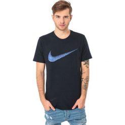 Nike Koszulka męska Hangtag Swoosh granatowa r. XXL (707456-475). Czarne koszulki sportowe męskie marki Nike, m. Za 59,99 zł.